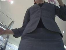 77 化粧系-制服店員さん 薄ピンクドット