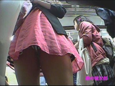パンチラ盗撮!スカートの中覗いちゃうよ~
