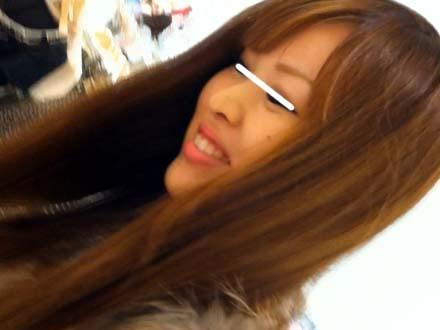 笑顔も可愛い~美人店員さんのパンチラGETせよ!!